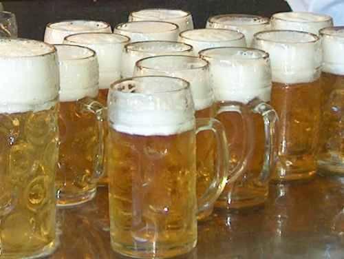 25 Aprile in centro a Parma: limiti per la vendita di alcolici dalle 15 alle 3.00