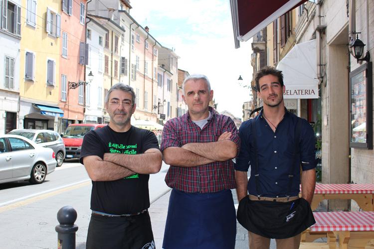 Tortellata di San Giovanni in via D'Azeglio e via Inzani