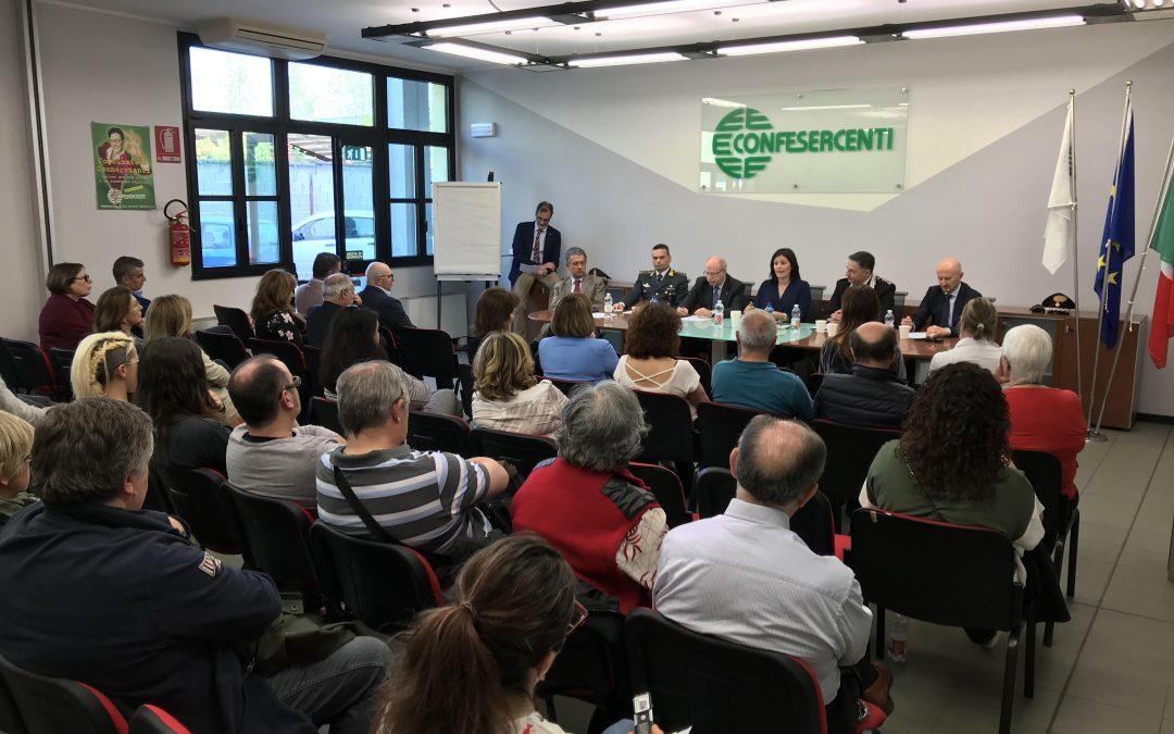 Nuova collaborazione tra imprese, istituzioni e forze dell'ordine. Ampio dibattito nell'incontro promosso da Confesercenti Parma
