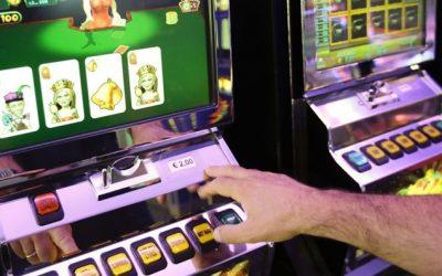 """Procedura obbligatoria per lo smaltimento e la distruzione delle """"Slot Machine"""" dismesse dal mercato a seguito della riduzione del numero degli apparecchi."""